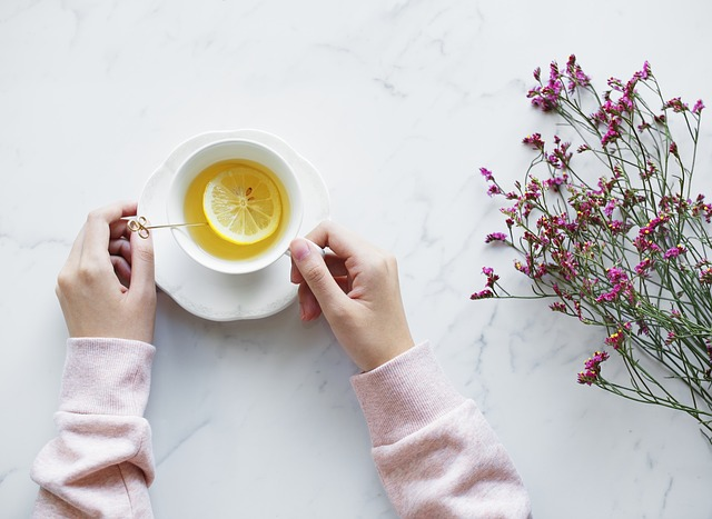 レモンティーと花
