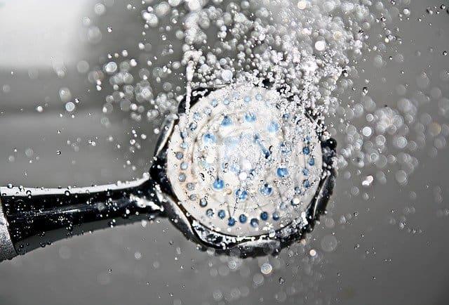 シャワーヘッド洗浄にはビニール袋を