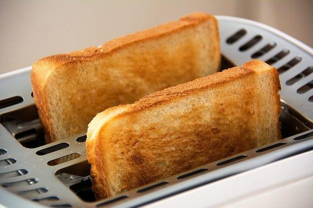 焦げたパンにはおろし器を